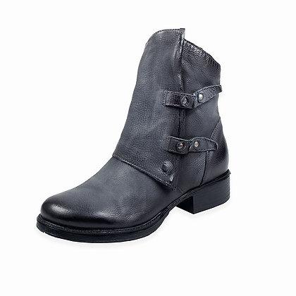 Miz Mooz - The Niagra Boot