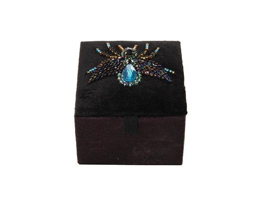 Samtbox klein mit blauer Biene