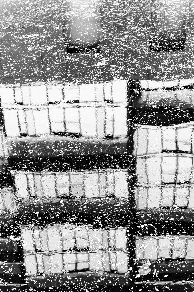 mirror water_V
