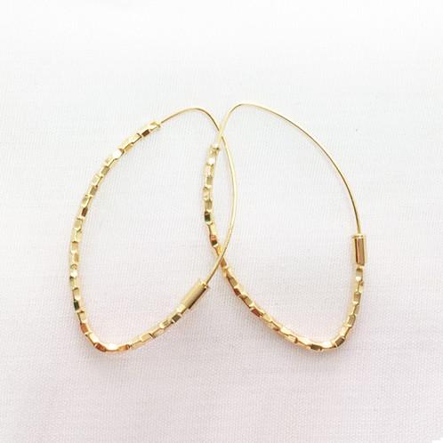 c949116b33d7 Par Arracadas Oro 10k Forma Semilla Diamantadas