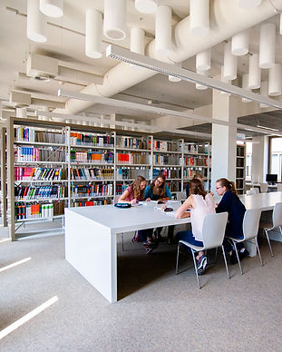 Ergotherapiestudium-Lehre-Bibliothek2.jp