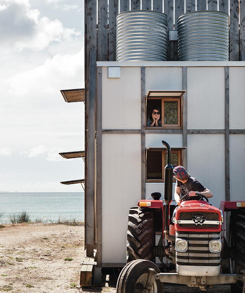 hut-on-sleds-crosson-architects-13.jpg