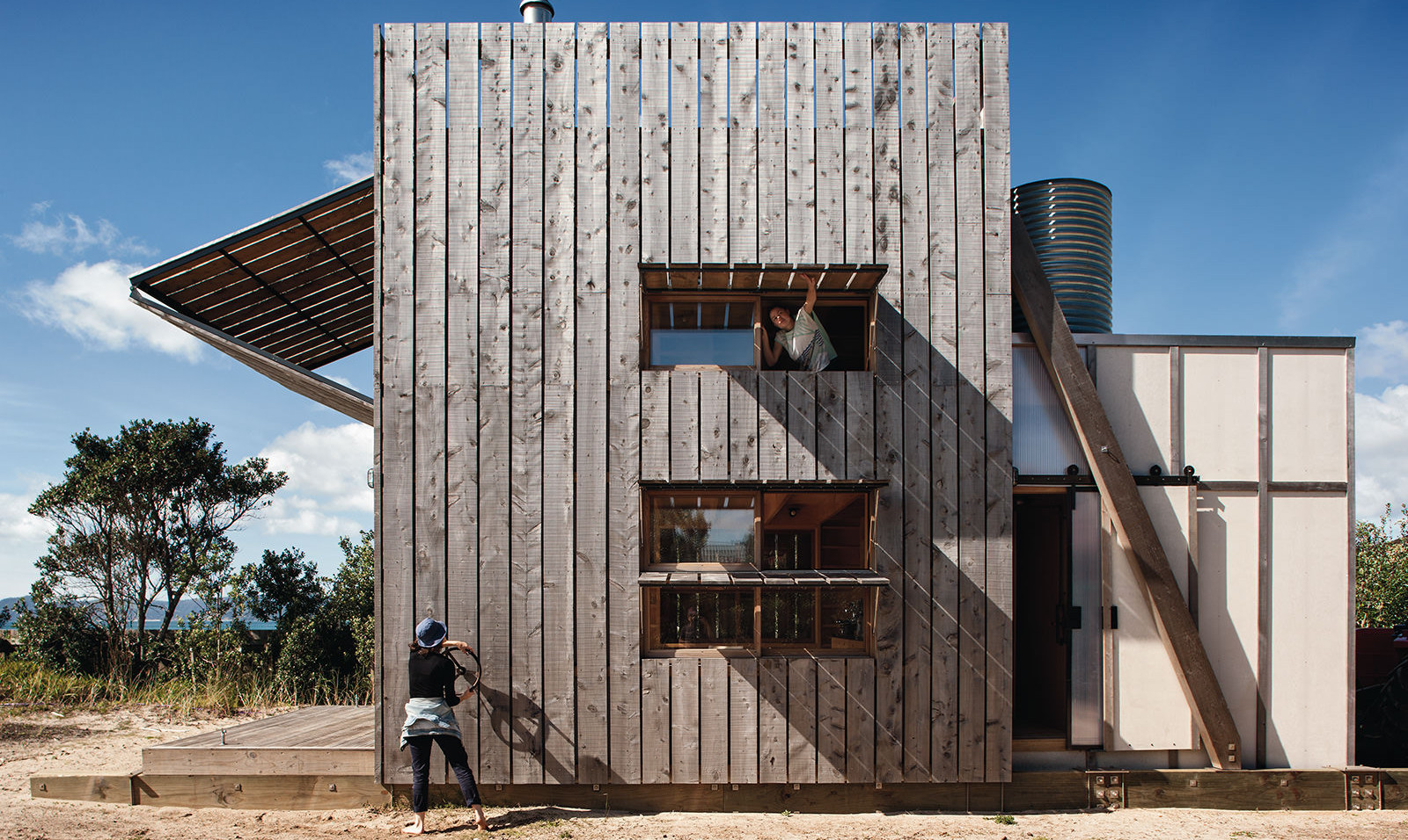 hut-on-sleds-crosson-architects.jpg