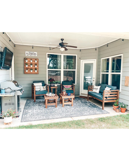 HH Custom Patio Furniture & Planter