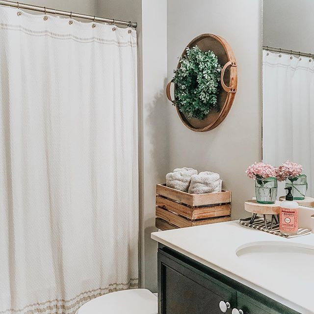 Farmhouse Style Guest Bathroom