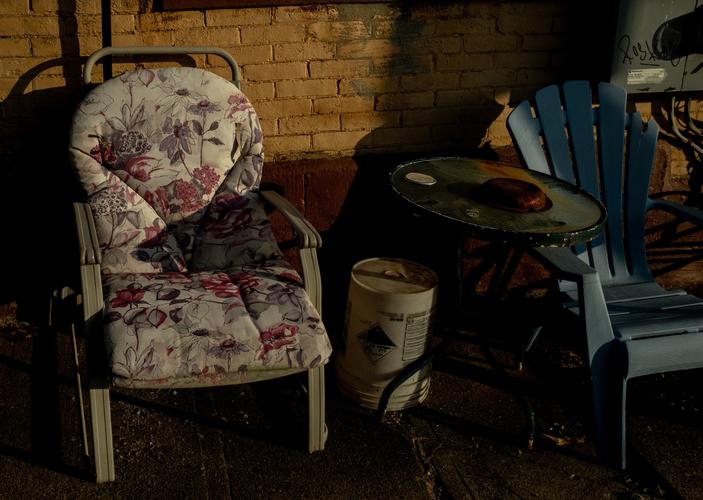 wong_grace_hot summer chairs.png