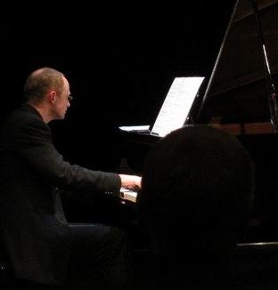 vocal accompanist