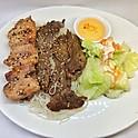 Poulet et boeuf grillés / Grilled chicken & beef