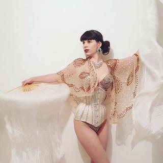 burlesque-white.jpg