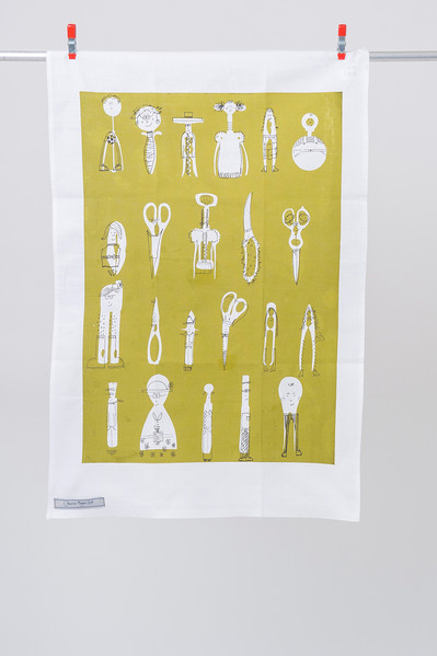With help of the stylish 'Household Helpers' tea towel, turn your everyday task into a joyful experience.