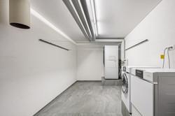 Technikraum mit Wäscheabwurf