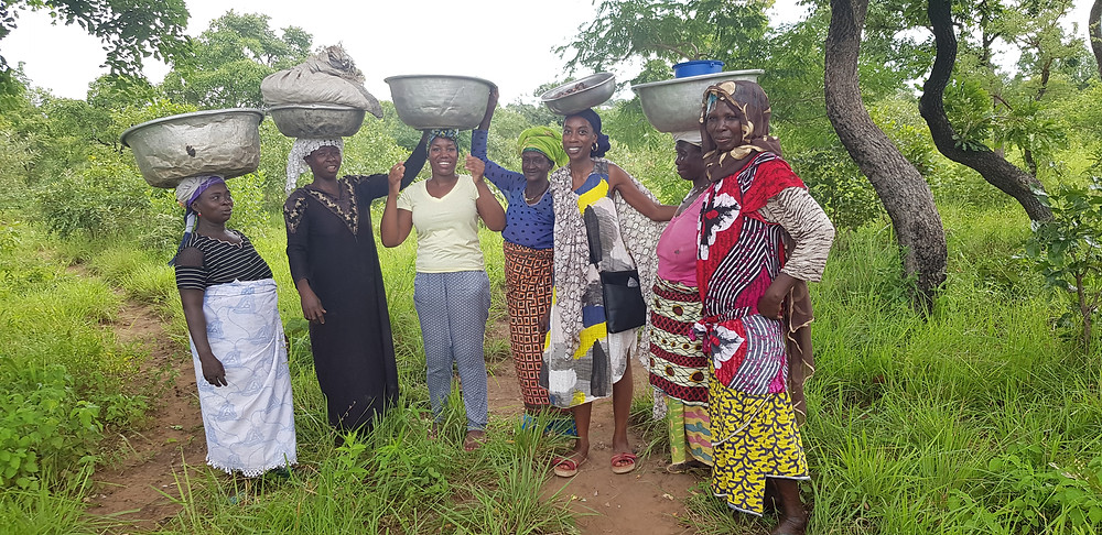 Maame Opoku collecting shea nuts with her extended family in Larabanga, Ghana