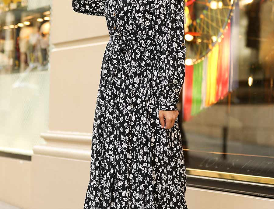 Black and White Floral Printed Maxi Dress