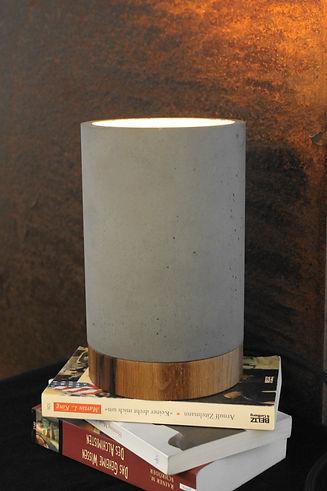 beton-lampe-giesswerk.JPG