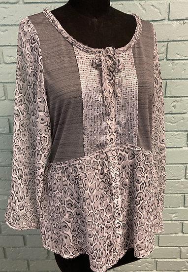 Leopard Print/Sequin-Trimmed Grey Women's  Top (XL)