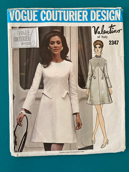 Vogue Couturier Design Pattern 2347  Valentino of Italy w label Size 16 Uncut