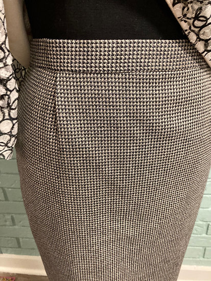 Slim Skirt with Back Zip & Vent  (Misses size 12)