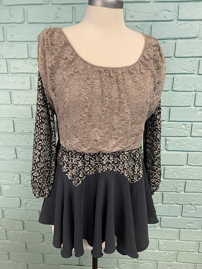 Lace & Rayon Drapey Women's Knit Top - Med-Large
