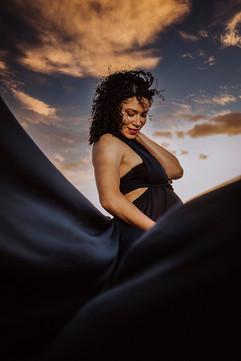 Tucson-maternity-photographer-wind-point
