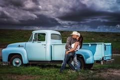 we-rock-photography-kiss-couples-session-truck-portrait-photographer-tucson.jpg