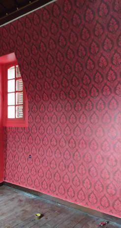Papier peint rouge.jpg