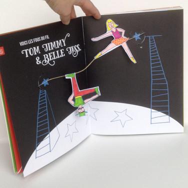 """""""Quel cirque !"""". Les funambules Tom Jimmy & Belle Jess."""