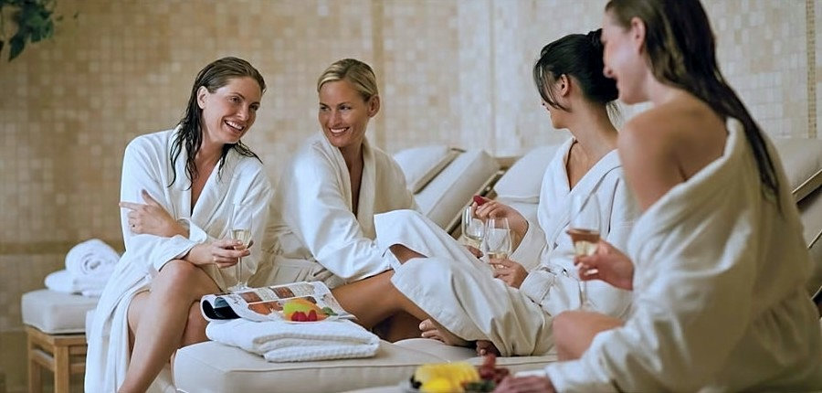Massage entre filles Côte Bleue.jpg