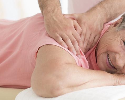 Top 10 des bienfaits pour la santé de la massothérapie pour les personnes âgées