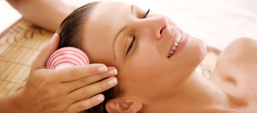 Massage aux coquillages chaudssur Marti
