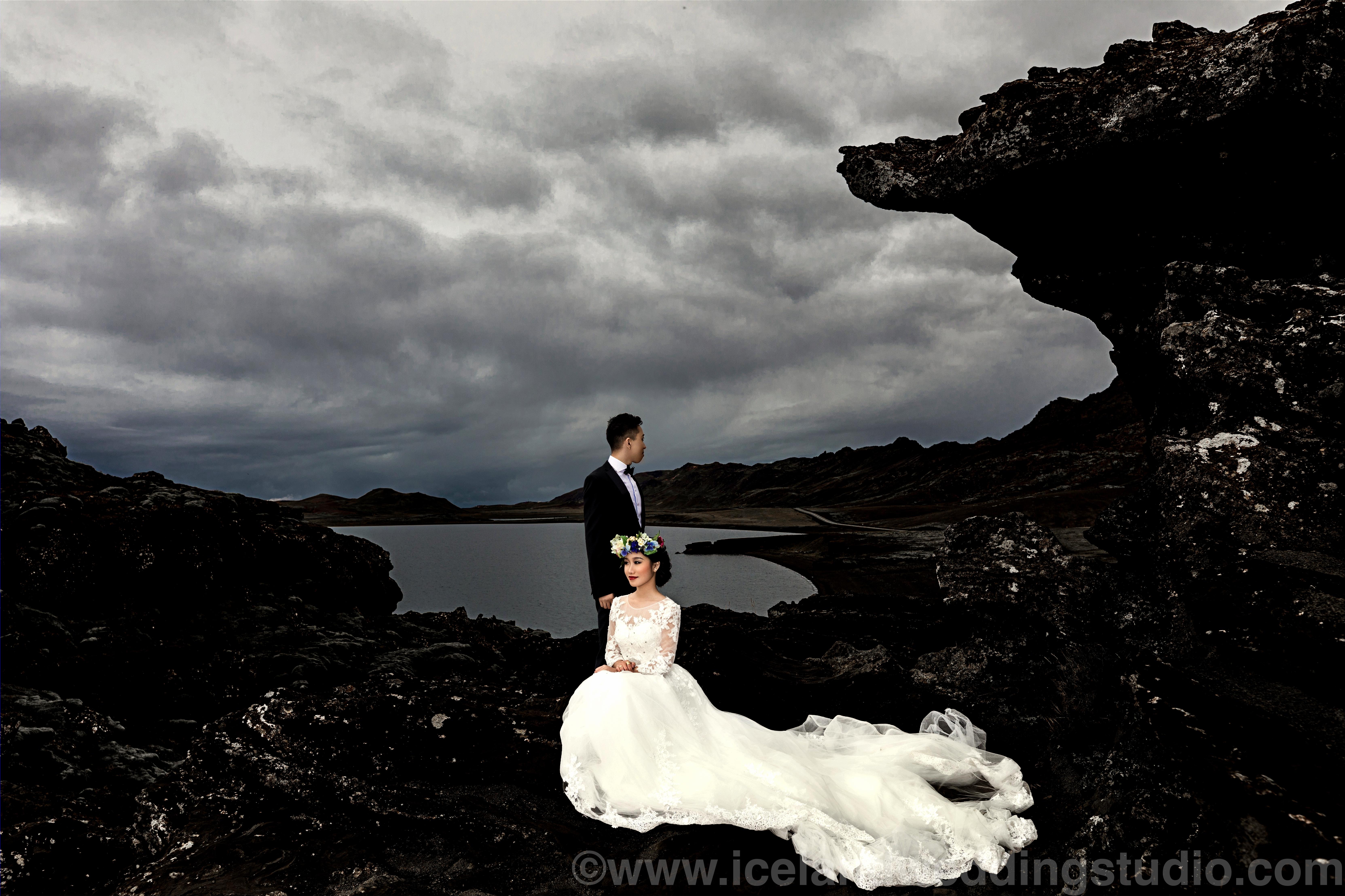 北欧简约风格婚纱摄影,冰岛雷克雅斯半岛