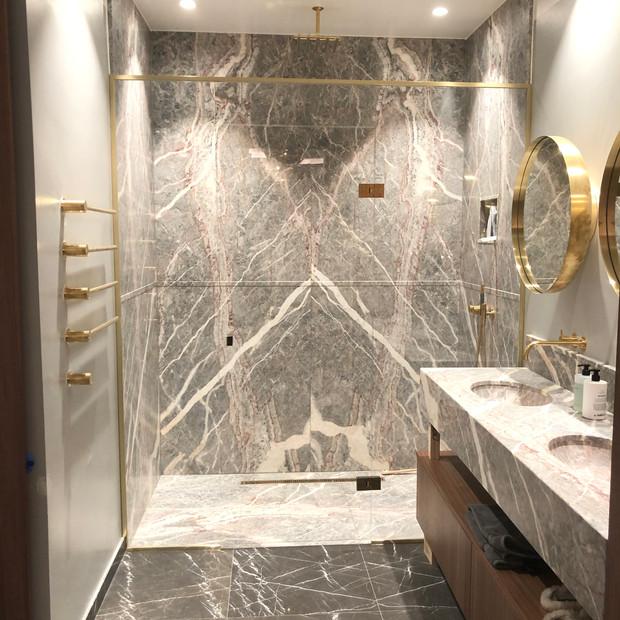 Lyxig duschvägg vikbar