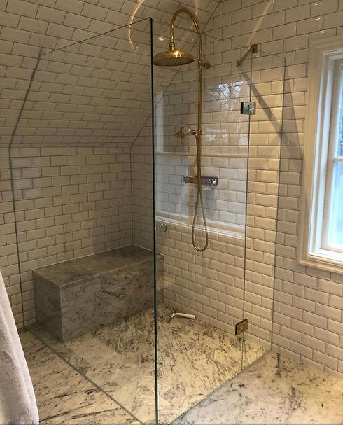 Vikbar duschvägg Stockholm