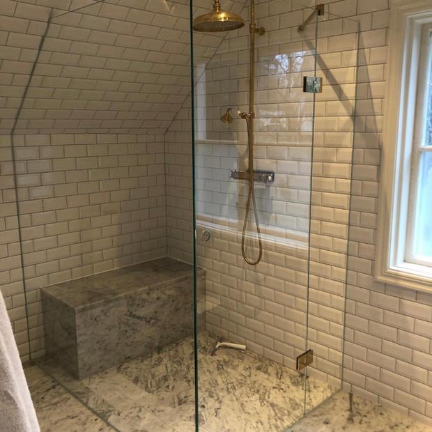 Måttanpassad duschvägg glas