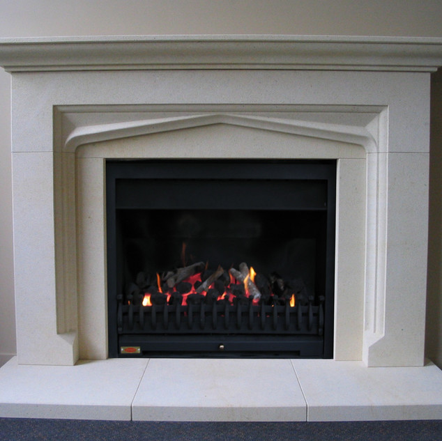 Oamaru Stone Fire Surround, Dunedin, Wai