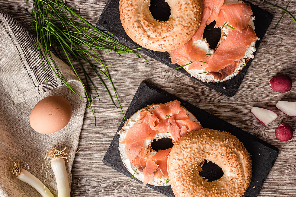 bagel-with-salmon-3957499.jpg