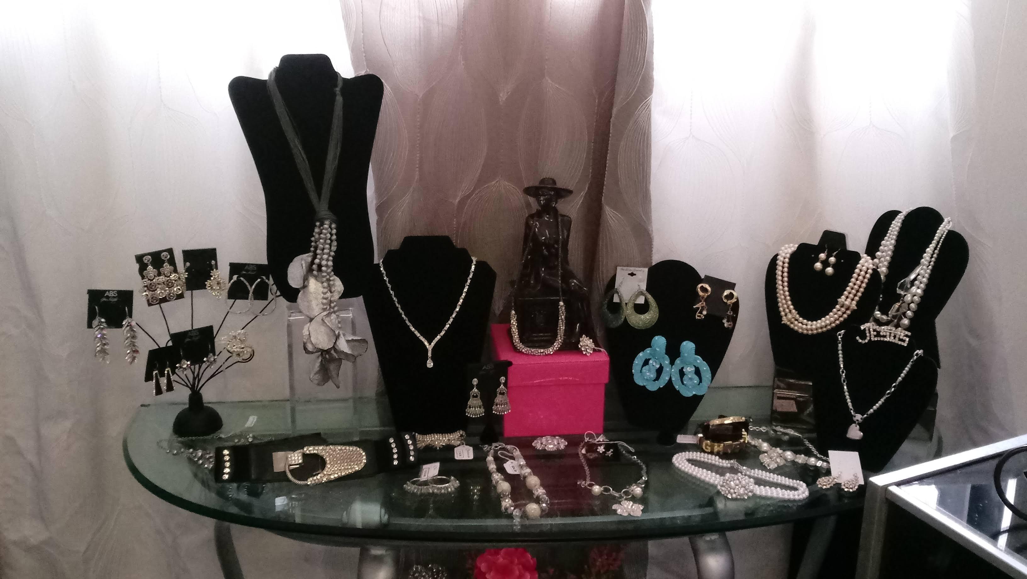 Jewelry Area 2