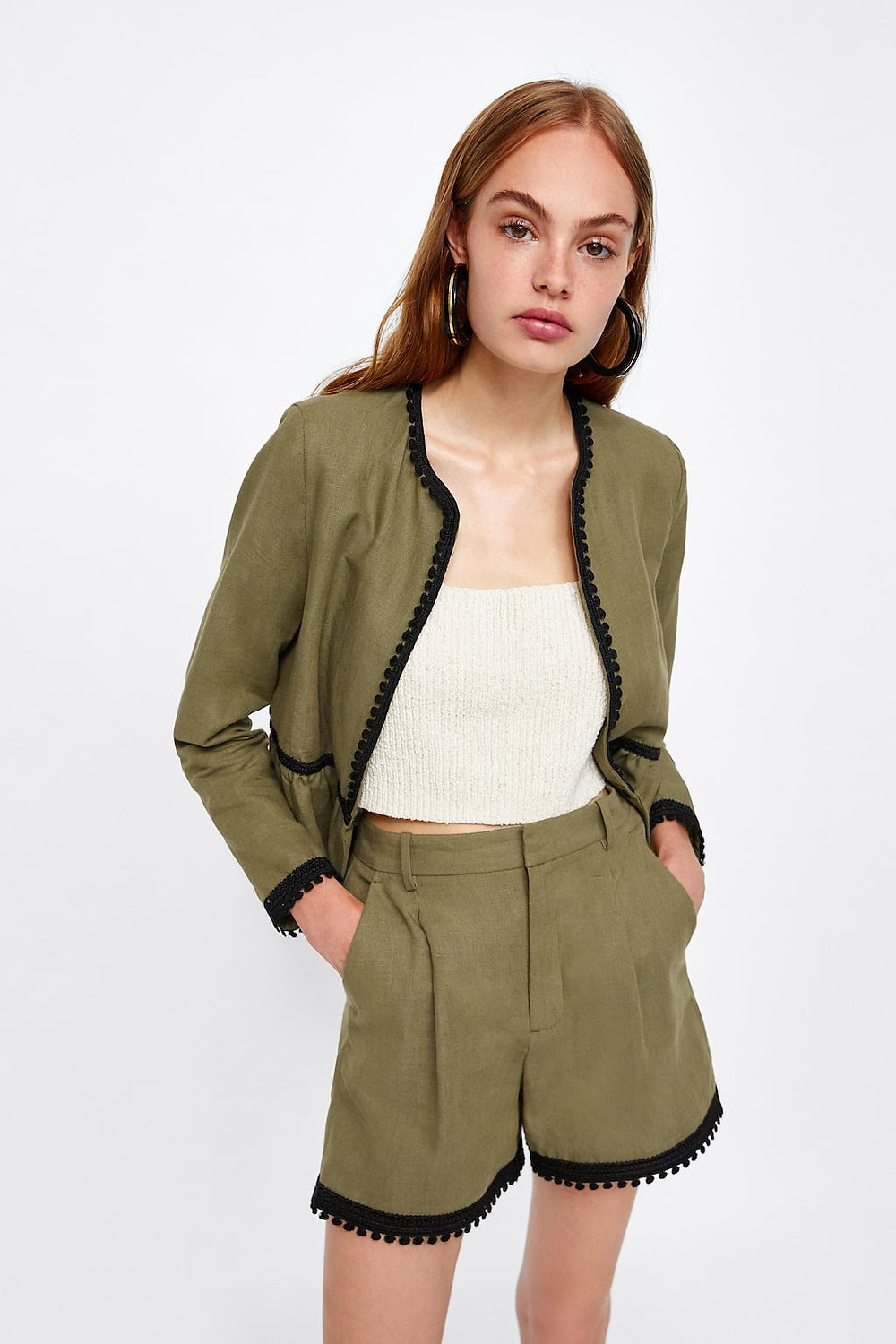 Image 2 of SHORTS WITH CONTRASTING BAND from Zara