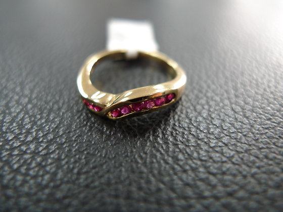 14K GOLD RING WITH RUBY SIZE 5