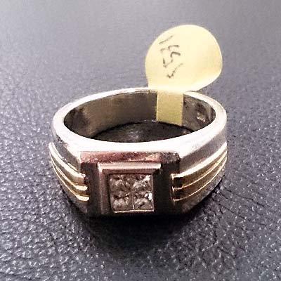 DIAMOND RING SIZE 9