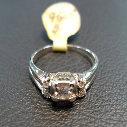 DIAMOND 0.2CT 14K GOLD RING SIZE 6