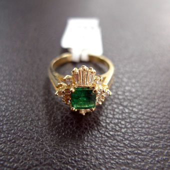 EMERALD 0.82 CT 14K YELLOW GOLD RING SIZE 6