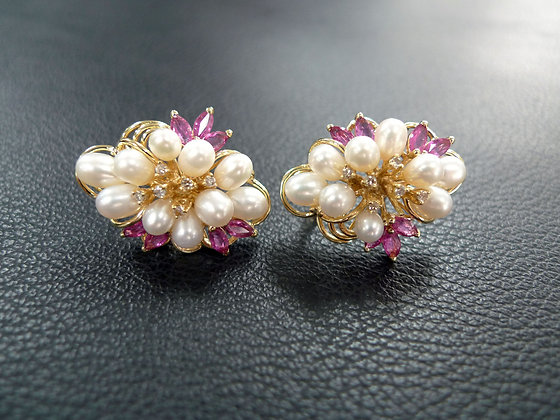 PEARLS AND GEMS EARRING
