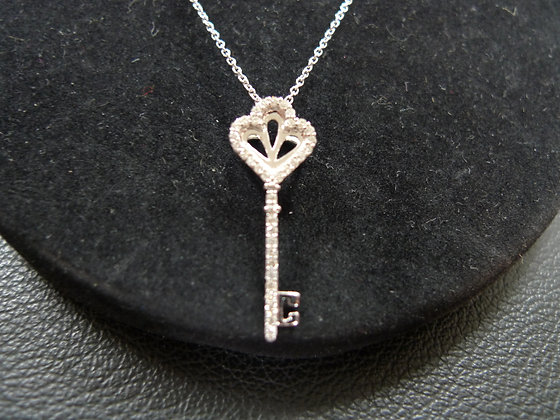 14K WHITE GOLD KEY SHAPE NECKLACE