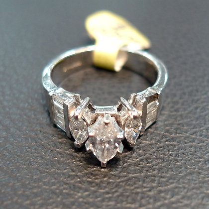 DIAMOND RING 1.5 SIZE 6
