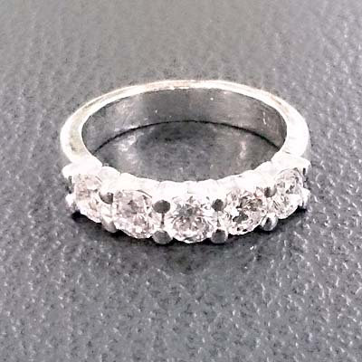 0.2CT DIAMOND X 5 RING SIZE 4 (Hold)