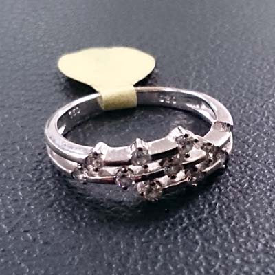 14K WHITE GOLD DIA RING SIZE 6.5 OR 7