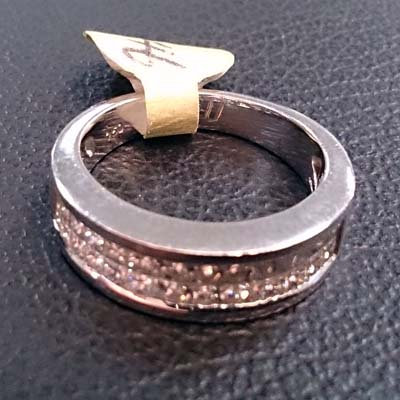 GOLD DIAMOND RING SIZE 6.5 OR 7