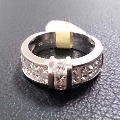DIAMOND RING SIZE 8