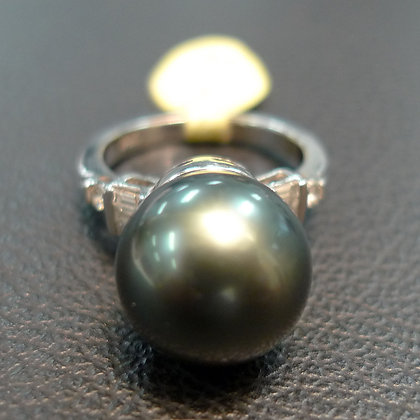 PEARL RING SIZE 8