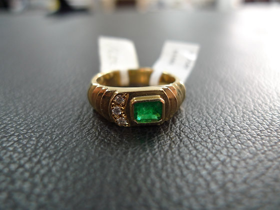 EMERALD 0.7CT  14K GOLD RING SIZE 8
